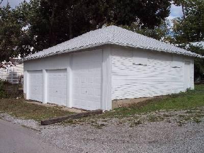 3 Car Garage With Storage 21691dr: 3 Car Garage/Storage Building